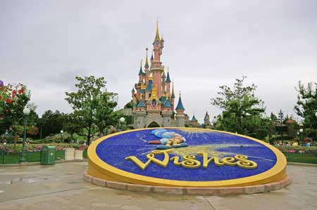 disneyland paris visite guide photos informations. Black Bedroom Furniture Sets. Home Design Ideas