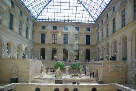 Paris mus e louvre photos informations for Le louvre interieur