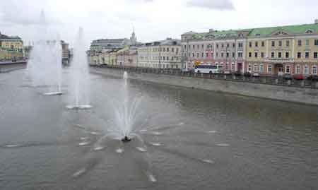 Russie : un pont gant va lier dfinitivement la Crime au