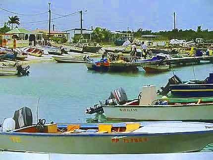 Port louis guadeloupe antilles fran aises - Restaurant l huitre y est port des barques ...