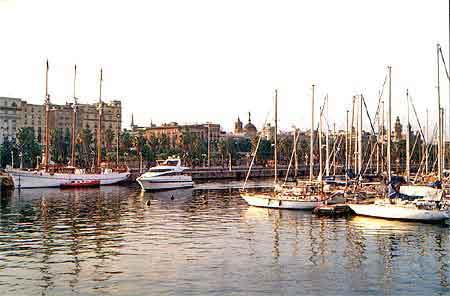 Le port vell a barcelone vieux et marina visite en photos - Port de plaisance barcelone ...