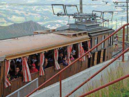 Train de la rhune pays basque fran ais pyr n es - Train biarritz to saint jean pied de port ...