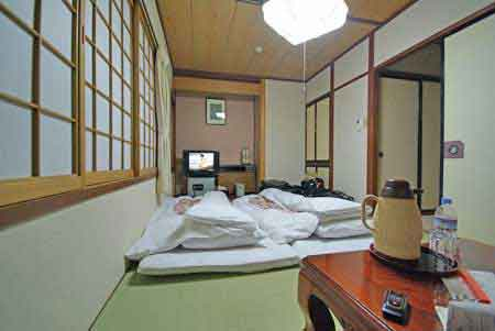 takayama japon traditionnel les alpes japonaises. Black Bedroom Furniture Sets. Home Design Ideas