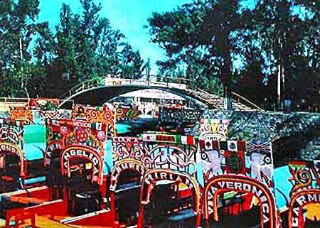 Les jardins flottants de xochimilco mexique for Jardin xochimilco