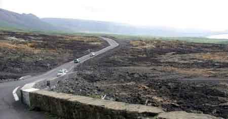 Grand br l volcan piton de la fournaise la r union - Reste de bois brule synonyme ...