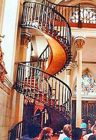 l 39 op ra de santa f loretto chapel escalier miraculeux les vieux trains nouveau mexique. Black Bedroom Furniture Sets. Home Design Ideas