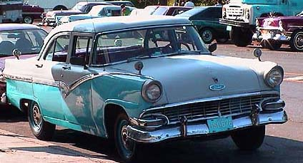 les anciennes voitures am ricaines ann es 1950 de cuba. Black Bedroom Furniture Sets. Home Design Ideas